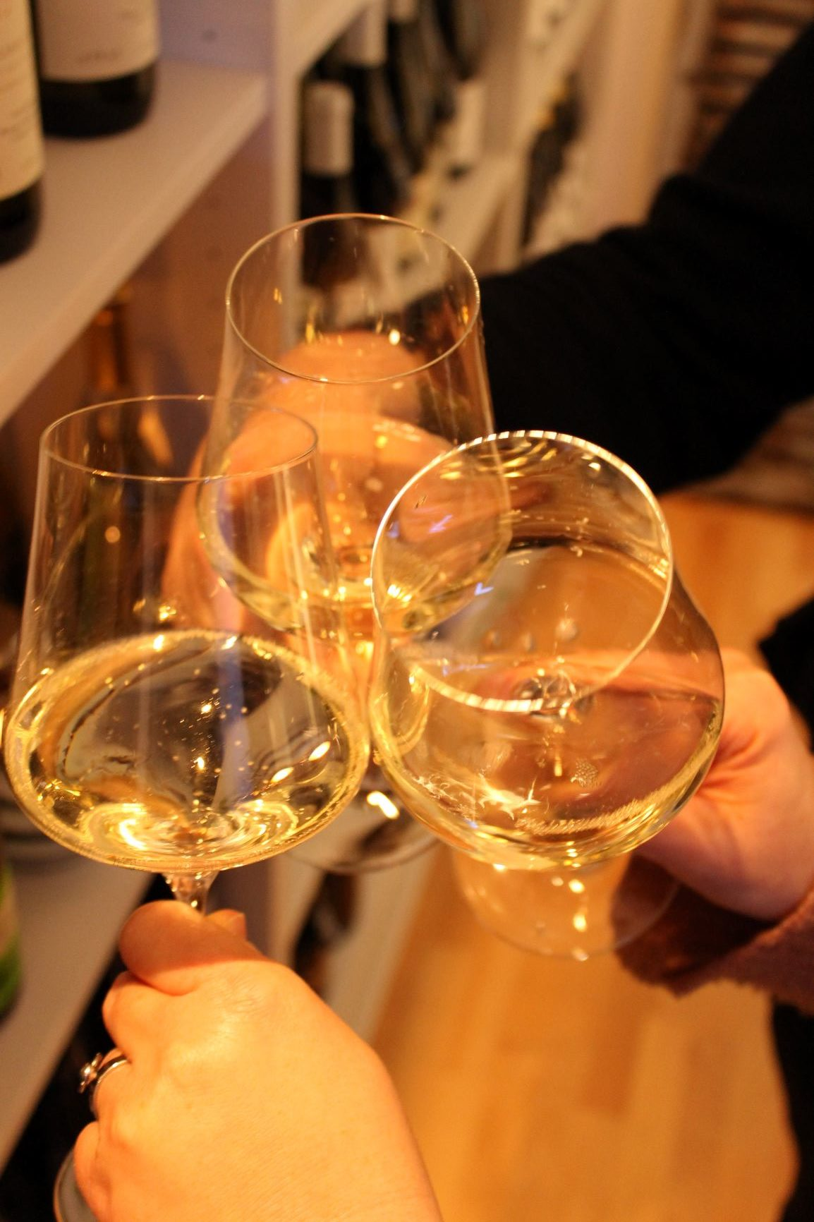 Feiern bei Weinsichten e1573658424285 - Firmenevents und private Weinabende - NEU: Natürlich auch als Online-Event möglich!