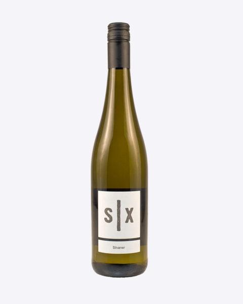 Silvaner schwarze Kapsel 480x600 - Weinsichten